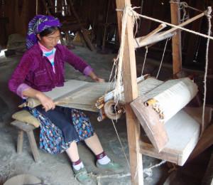 A Hmong hemp weaver in Lung Tam.