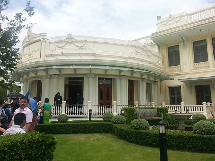 The front of the Queen Sirikit Textile Museum in Bangkok. Photo courtesy of John Ang.